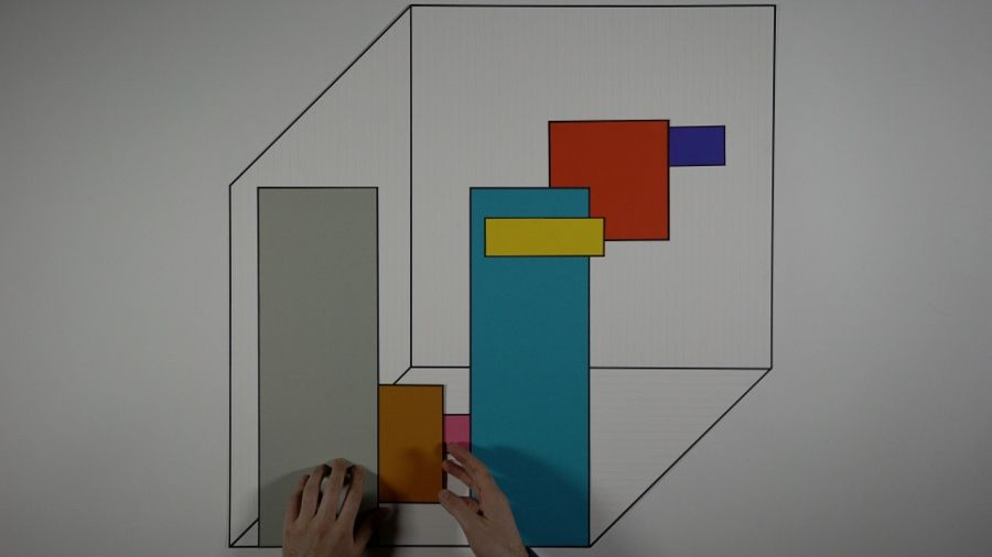 Mateo López, still del video Time as Activity, 2016, proyección en tres canales, 54 m. Cortesía del artista y Casey Kaplan, Nueva York