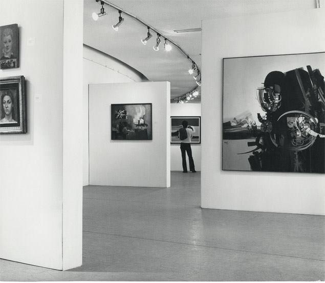"""Exposición """"Aire, mar, paisaje, diálogos de Alejandro Obregón"""", sede Planetario Distrital, 1974. Foto: Archivo MAMBO"""