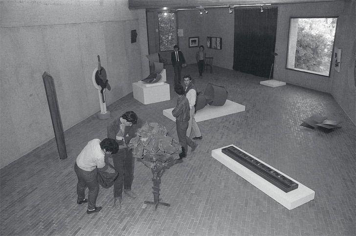 """Exposición """"Cien años de arte colombiano 1886-1986"""", 1985. Foto: Óscar Monsalve"""
