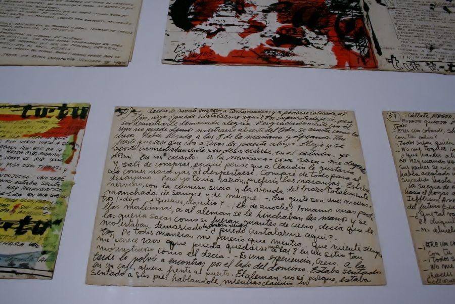 """""""Besos Brujos"""", libro de artista de Alberto Greco, en Del Infinito, parte de Plataforma Argentina / ARCO, feria ARCOmadrid 2017. Foto: Alejandra Villasmil"""