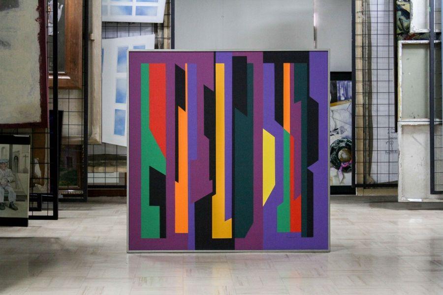Aracely Gilbert, Composición vertical, acrílico, 1978, 129 x 129 cm. Colección Ministerio de Cultura y Patrimonio, Museo Nacional. Foto: Pablo Jijón