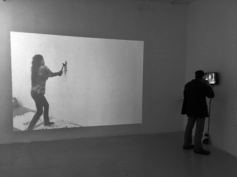 TERESA MARGOLLES, vista del video Incisión, 2016, 25:52. Cortesía: Y Gallery, NY