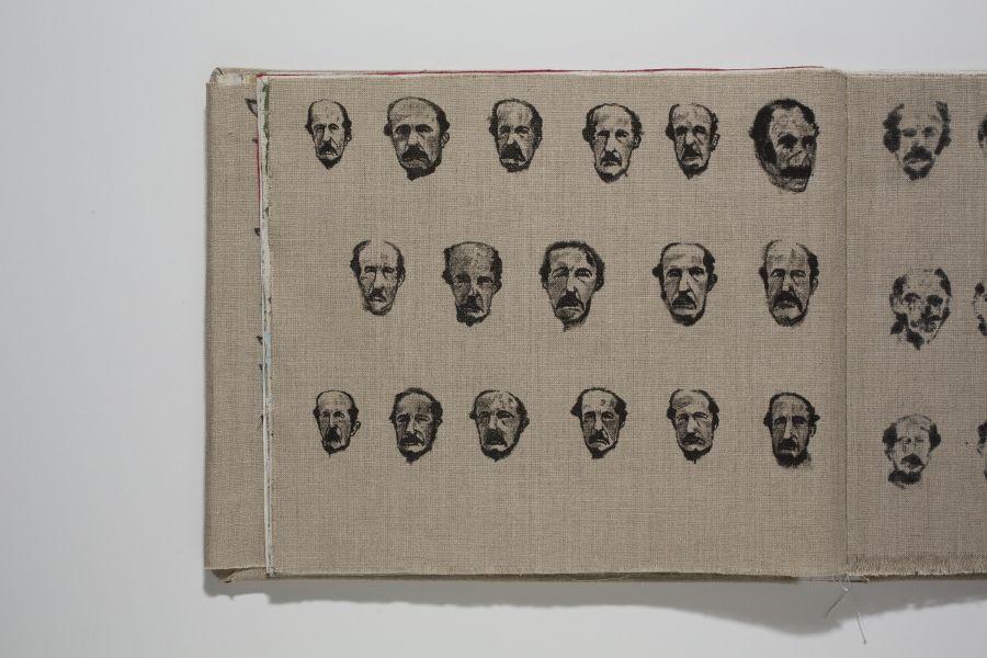 Christian Vinck Henriquez (1978, Maracaibo, Venezuela), ueelvdpv. 2016. Libro encuadernado a mano de impresión offset con reproducciones de veinticuatro pinturas originales, 26 x 20,3 cm.