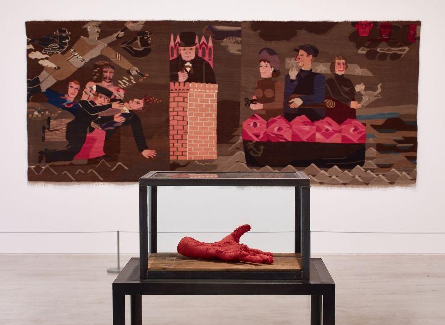 "Vista de la exposición ""Entangled: Threads & Making"", en Turner Contemporary, Margate, Reino Unido, 2017. Foto: Stephen White"