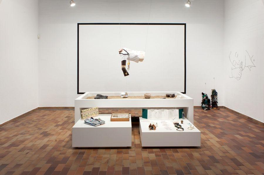 Adam Nankervis. Diferentes objetos del Museum MAN, 2017. Técnica mixta. Propietarios varios. Cortesía: Fundació Joan Miró