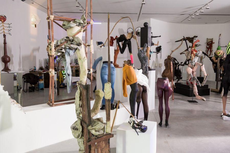 """Vista de la exposición """"El presente está encantador"""", de Diego Bianchi, en el Museo de Arte Moderno de Buenos Aires, 2017. Foto cortesía del museo"""