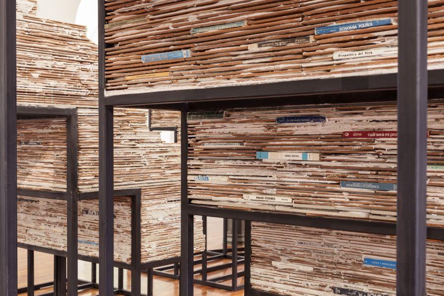 """Vista de la exposición """"Tribuna"""", de Ishmael Randall Weeks, en MALI in situ, MALI, Lima, 2017. Foto: Eduardo Hirose"""
