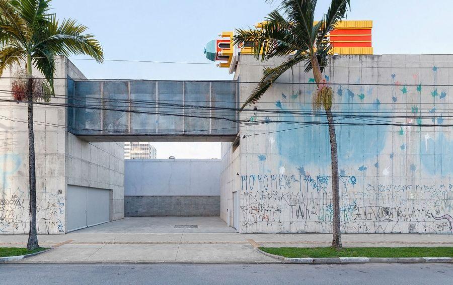 """Pilar Quinteros, """"Friends of Perpetual Movement"""", 2017. Vista de la intervención en Galeria Leme, Sao Paulo. Foto cortesía de Proyecto SITU"""