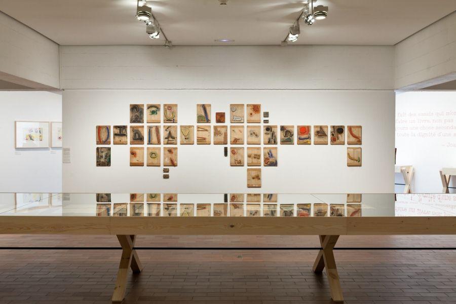 Vista de la exposición Á toute èpreuve, en la Fundació Joan Miró, barcelona, 2017. Foto: Pere Pratdesaba