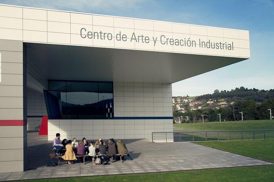 ¿Dónde está la oficina de mediación? LABORAL (España) 2016/17. Foto: Elena de la Puente