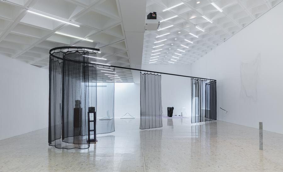 «AYRTON», EN EL MUSEO TAMAYO. LO INDIVIDUAL EN UN CONTEXTO COLECTIVO