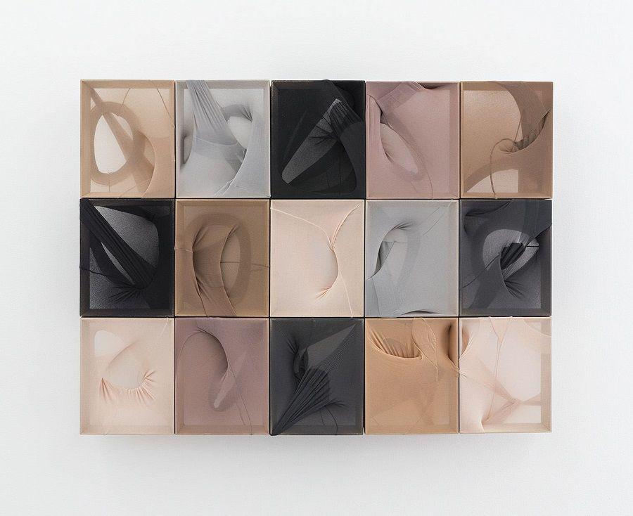Martin Soto Climent, Íntima sustancia de los suspiros, 2016, medias de nylon sobre madera, 75.7 x 101 x 6.5 cm. Proyectos Monclova, Ciudad de México