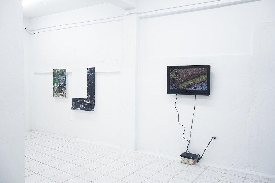 """Vista de la exposición """"Foreign Affairs"""" en Km 0.2, San Juan, Puerto Rico, 2017. Cortesía de la galería"""