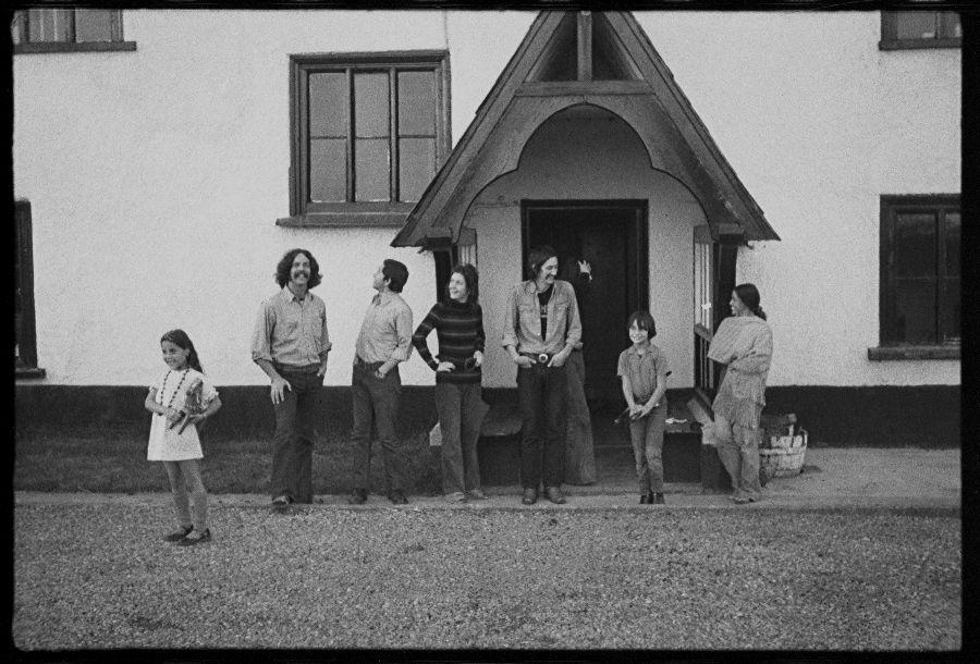 La comunidad Beau Geste Press en Langford Court South, 1971 o 1972. Foto: Paul Welch
