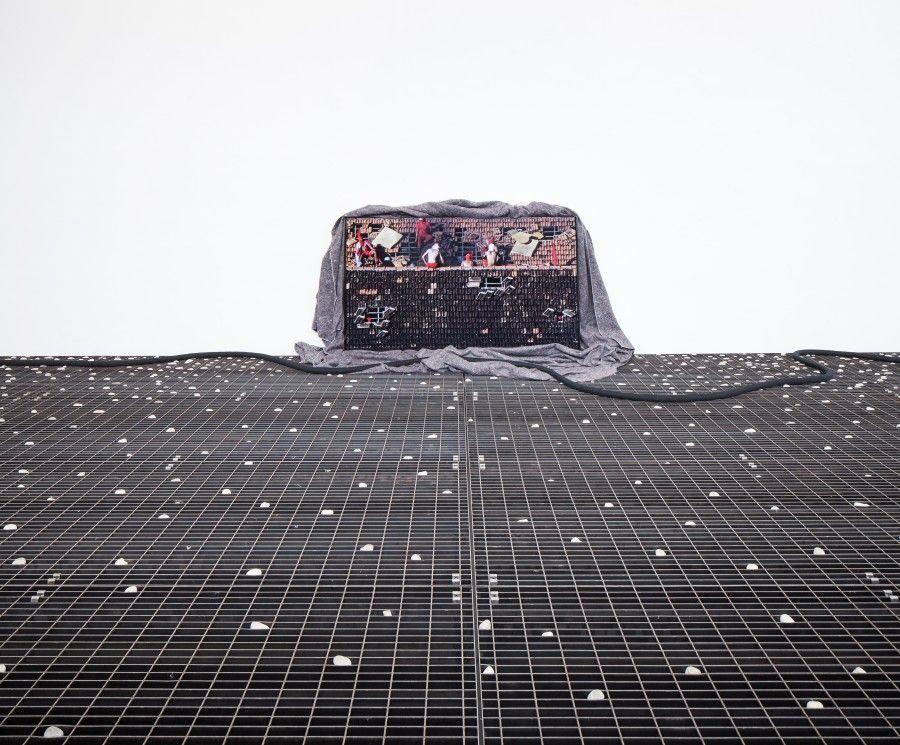 Chão de Caça, 2017, de Cinthia Marcelle, Pabellón de Brasil en la 57° Bienal de Venecia. Cortesía de la artista