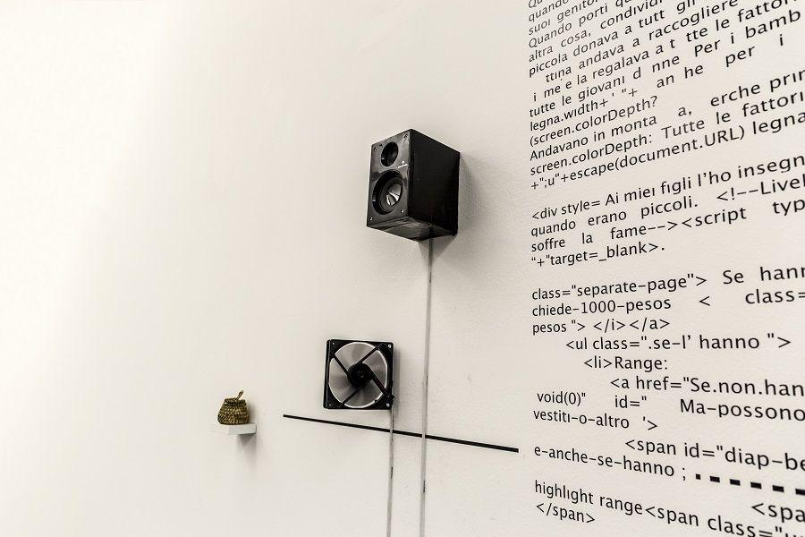 """Rainer Krause, Lengua local 2: txt/contxt, 2015. Vista de la exposición """"Otros sonidos. otros paisajes"""", en el MACRO, Roma, 2017. Foto: Giuliano Mozzillo"""