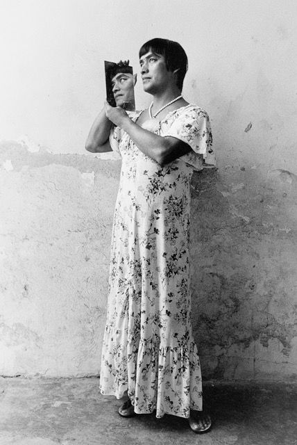 Graciela Iturbide, Magnolia, Juchitan, Oaxaca, 1986, 40 x 50 cm. Cortesía: Cecilia Brunson Projects Chile