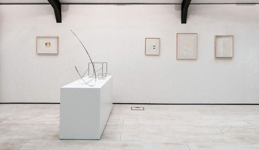 Vista de la exposición de Waltercio Caldas en Cecilia Brunson Projects, Londres, 2017. Cortesía: CBP