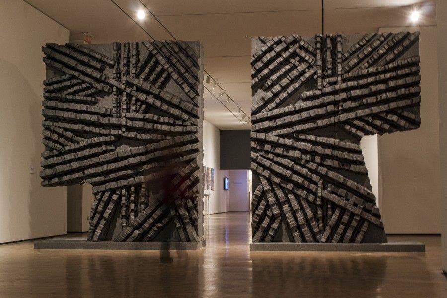 """Vista de la exposición """"Roca Negra"""", de Federico Assler, en el Centro de las Artes 660, CorpArtes, Santiago de Chile, 2017. Foto: Sebastián Leal"""