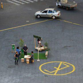 Desplazamiento, de Opavivará!, en Valparaíso, acción/intervención parte del programa Laboratorios de creación, de Casaplan. Foto cortesía: Casaplan