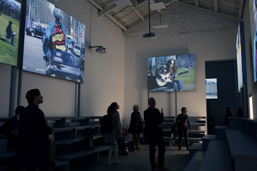 Jordi Colomer, Join!  Junte-se a nós!, 2017. Espanha pavilhão na 57ª Bienal de Veneza.  Foto: Claudio Franzini