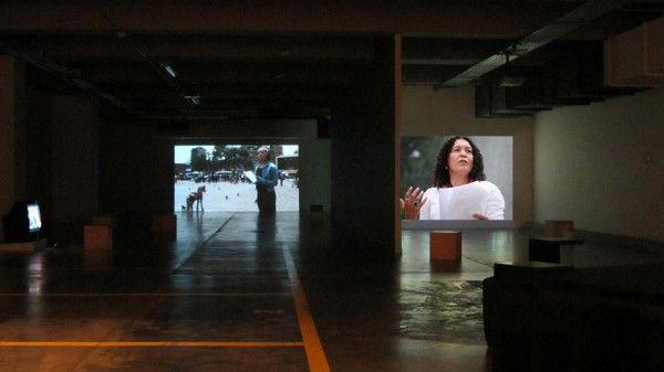 Carlos Motta, Six Acts: An Experiment in Narrative Justice, 2010, 6 videos, color/sonido, 50 min. Cortesía: Instituto de Visión