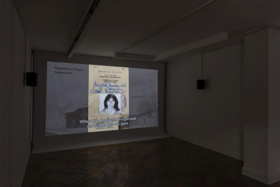"""""""Arquitectura de las transferencias"""", de Ingrid Wildi Merino. Vista de la exposición en D21 Proyecto de Arte, Santiago de Chile, 2017. Foto: Jorge Brantmayer"""