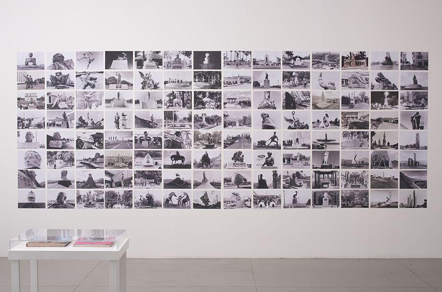 Serie Monumentos mexicanos (s/f) de Helen Escobedo y Paolo Gori. Parte de la exhibición Monumentos, anti-monumentos y nueva escultura pública en el Museo de Arte Zapopan, Guadalajara, México. Foto: cortesía MAZ.