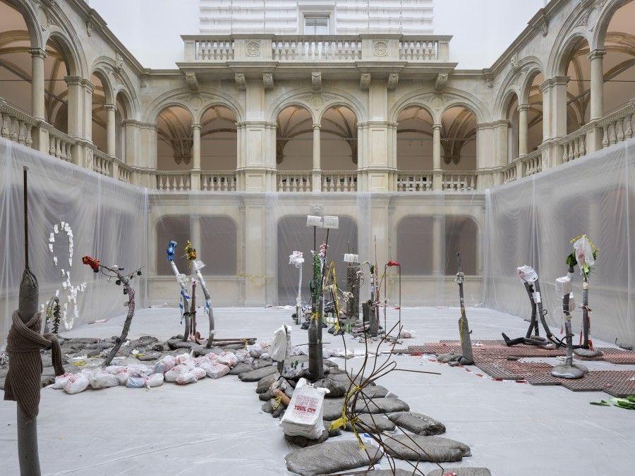 Michael Dean. Cortesía: Skulptur Projekte Münster, 2017