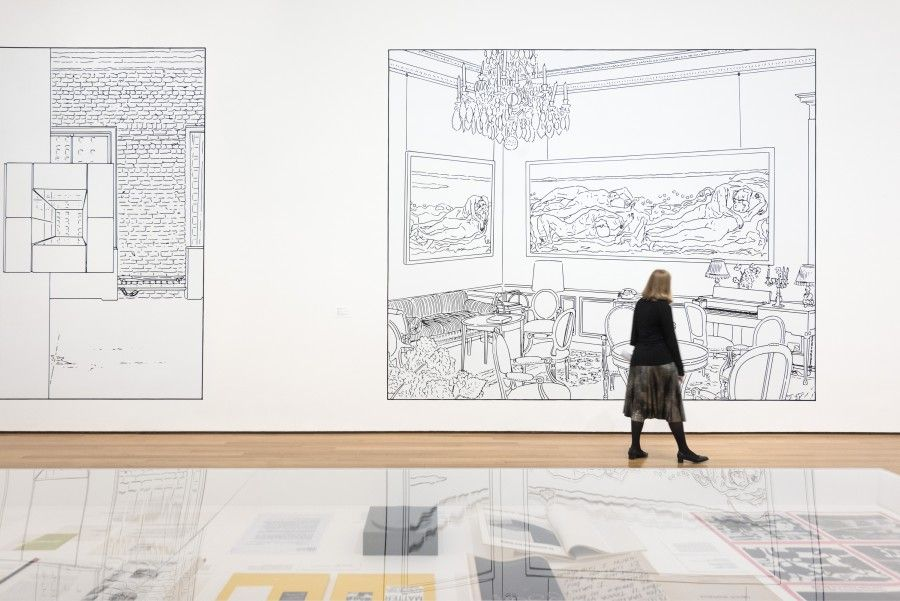 "Vista de la exposición ""Why Pictures Now"", de Louise Lawler, en el Museum of Modern Art (MoMA), Nueva York, 2017. © 2017 The Museum of Modern Art. Photo: Martin Seck"