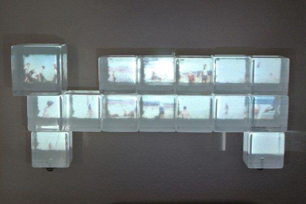Andrea Wolf, Little Memories Series, 2011, técnica mixta y proyecciones de video