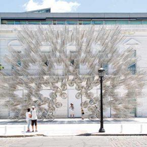 """Ai Weiwei, """"Forever"""", 2015, 1254 bicicletas de acero, 950 x 1600 x 290 cm. Foto: Gian Paolo Minelli. Explanada de la Fundación Proa, 2017-2018"""
