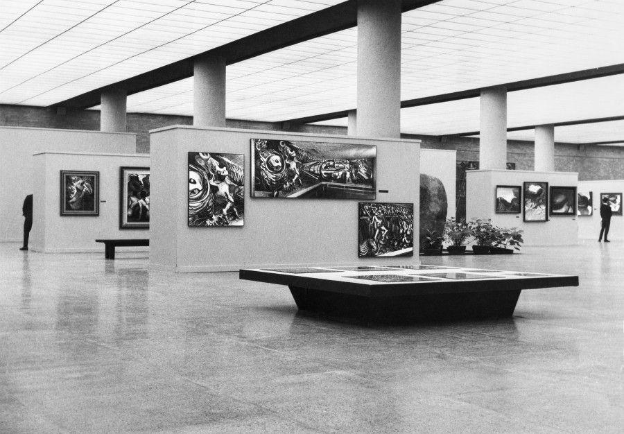 Fotógrafo no identificado. Vista de la exposición Siqueiros retrospectiva 1907-1967, Museo Universitario de Ciencias y Artes, 1967. Fondo Histórico MUCA, Centro de Documentación Arkheia, MUAC–UNAM