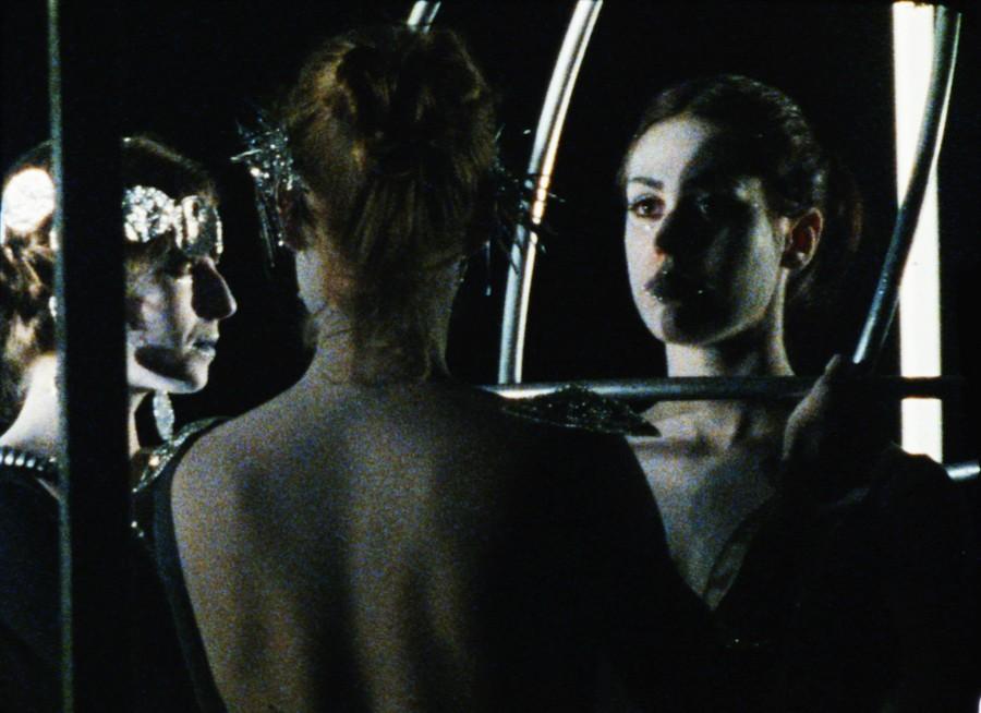 Daria Martin, In the Palace, 2000, film en 16mm, 7 minutos. Cortesía: Sesc