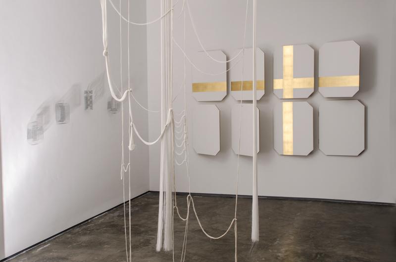 """Vista de la exposición """"Anti-Readymade"""", en Espacio Monitor, Caracas, 2017. Foto: Julio Osorio / Cortesía: Espacio Monitor"""