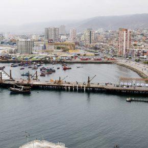 Vista del muelle histórico de Antofagasta con las obras de SACO6. Foto: Cristián Ochoa/Archivo SACO