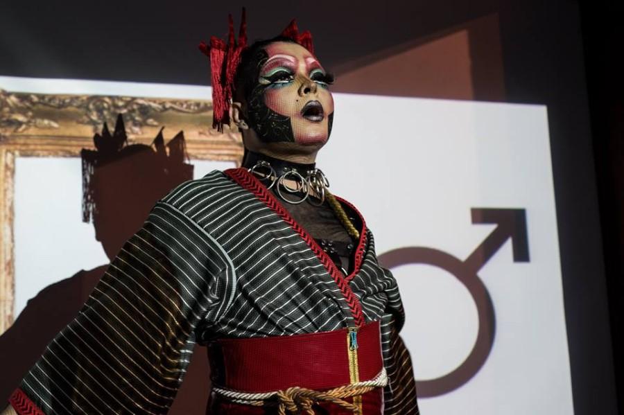 Performance en La esquina del movimiento, parte de la muestra 89 noches, Museo de Antioquia, Medellín, Colombia, 2017. Foto cortesía del museo