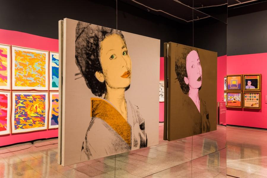 """Vista de la exposición """"Andy Warhol. Ícono del Pop"""" en el Centro Cultural La Moneda. Foto: cortesía CCPLM."""
