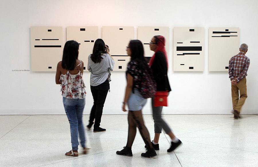 Vista de la muestra Una Nación en Pocas Palabras de Jesús Hdez-Güero en el Museo Alejandro Otero, Caracas. Foto: Alexandra Blanco, cortesía del artista.