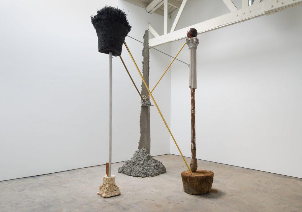 Vista de la muestra Outside the Garden de Alejandro Almanza Pereda en Ibid Gallery, Los Ángeles, Estados Unidos. Foto: cortesía de la galería.