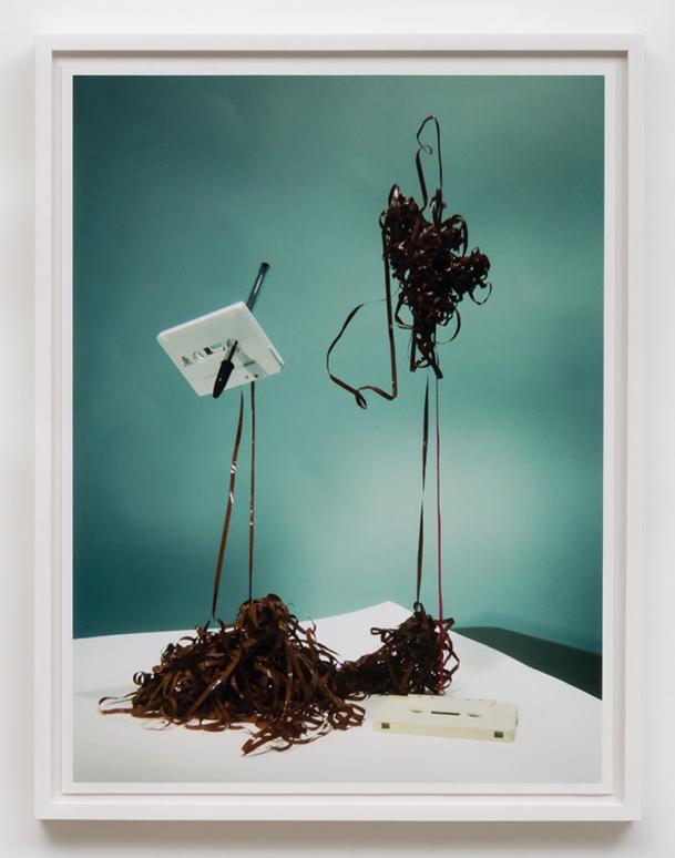 Auto-Reverse (2016) de Alejandro Almanza Pereda, parte de la muestra Outside the Garden en Ibid Gallery, Los Ángeles, Estados Unidos. Foto: cortesía de la galería.