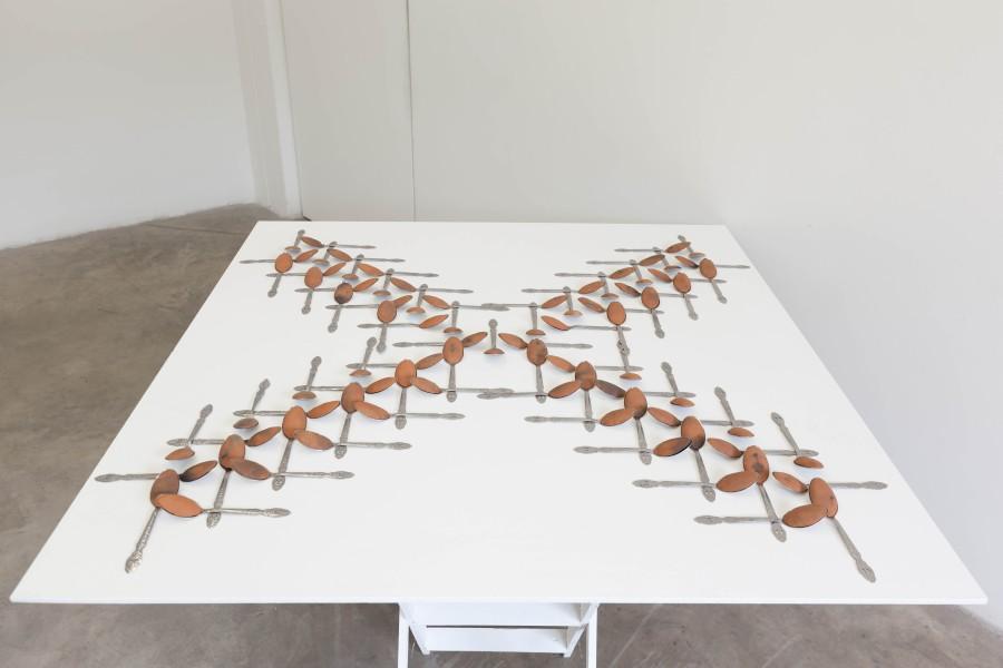 Na B´a´a (2017), pieza de Benvenuto Chavajay en la muestra colectiva 8.000 Años Después, en galería Libera - Central Contemporánea, Bogotá. Foto: cortesía de la galería.