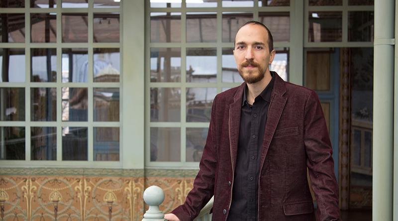 Yucef Merhi, curador pedagógico de la Bienal de Cuenca 2018. Foto cortesía Bienal de Cuenca
