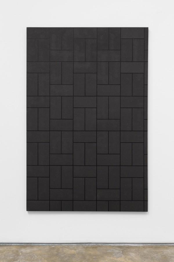 Patrick Hamilton, Abrasive Painting # 31, 2016, acrílico y lija sobre tela, 180 x 120 x 4.5 cm © Fotografía: Bruno Lopes. Cortesía del artista y Galería Baginski, Lisboa
