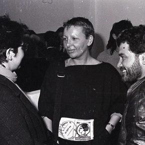 Nelly Richard en la inauguración de la Galería Carmen Waugh, 1984. Foto: Inés Paulino