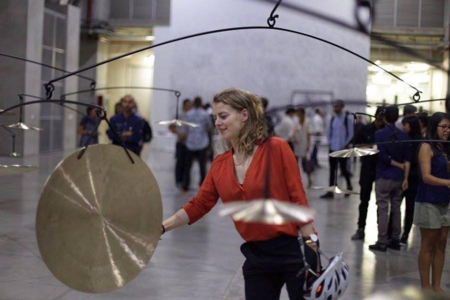 """Vista de la exposición """"Herramientas de trabajo"""", de Carlos Amorales, en el Museo de Arte Moderno de Medellín (MAMM), 2017."""