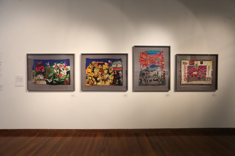 """Vista de la exposición """"Releyendo a Violeta"""", en las salas del Centro Cultural Gabriela Mistral (GAM), Santiago de Chile, 2017. Foto: Natalia Espina/CNCA"""