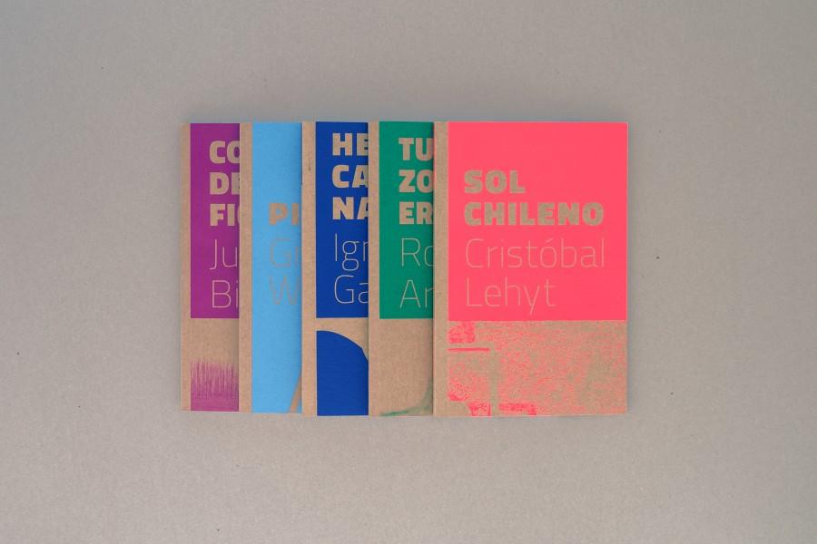 Parte de la colección de catálogos de Die Ecke, Santiago. Exposiciones del 2014 al 2016. Cortesía de la galería