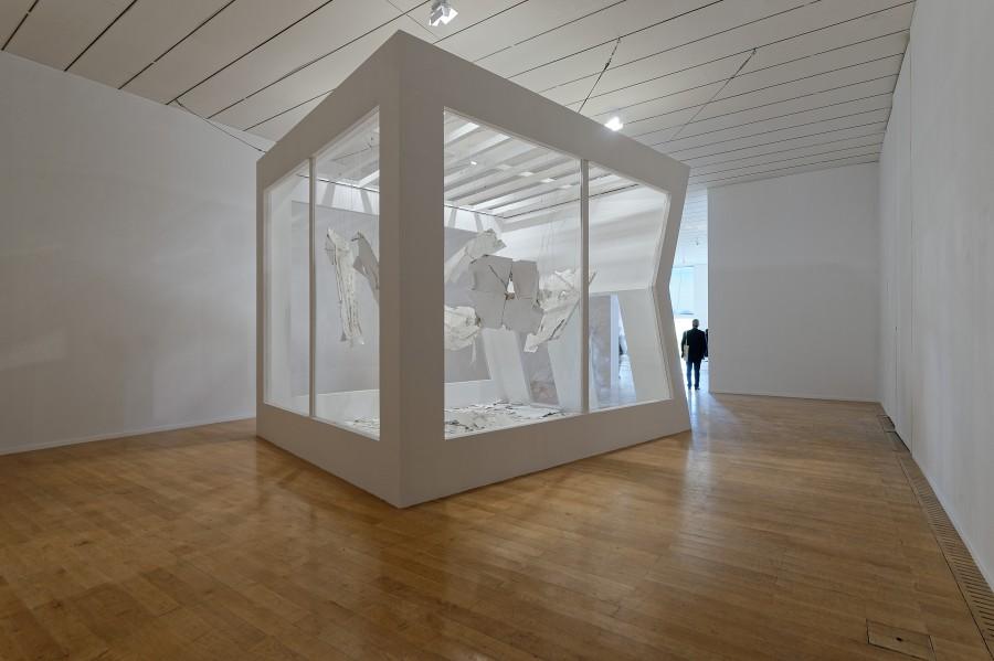 Lygia Pape, New house, 2000-2017. Vista de la instalación en Le Musée d'Art Contemporain. Cortesía de la artista y la Biennale de Lyon 2017. Foto: ©Blaise Adilon