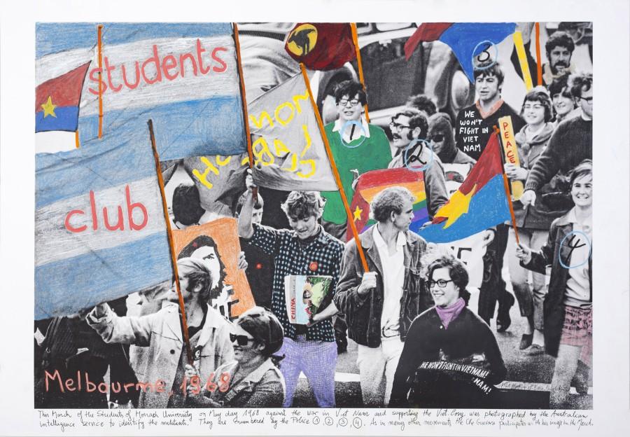 Melbourne (2016), de la serie 1968. El fuego de las ideas de Marcelo Brodsky, parte de la muestra Mito Fundacional en BienalSUR, expuesta en Espacio El Dorado, Bogotá. Foto: cortesía BienalSUR.